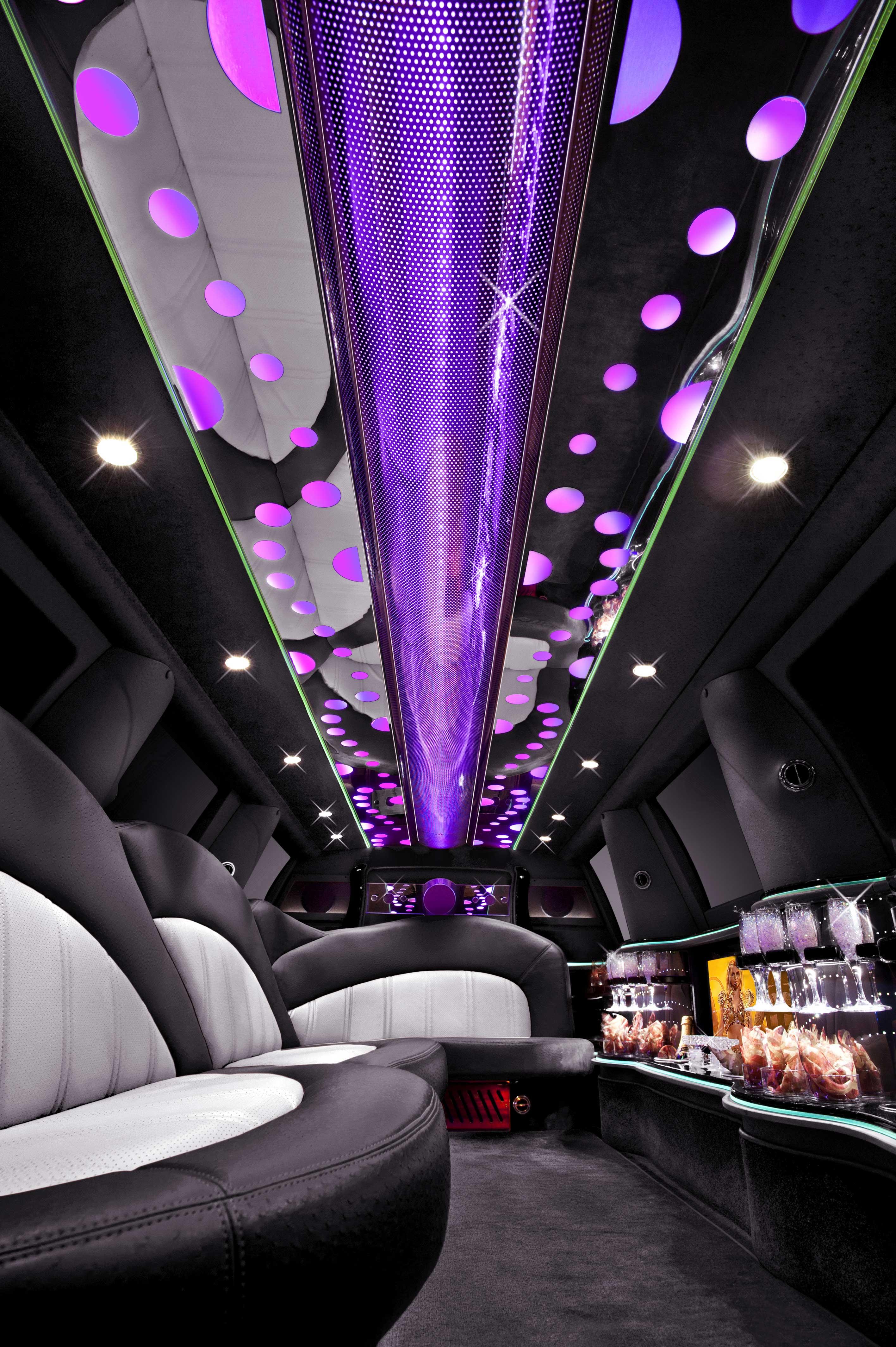 navigator-limo-interior1
